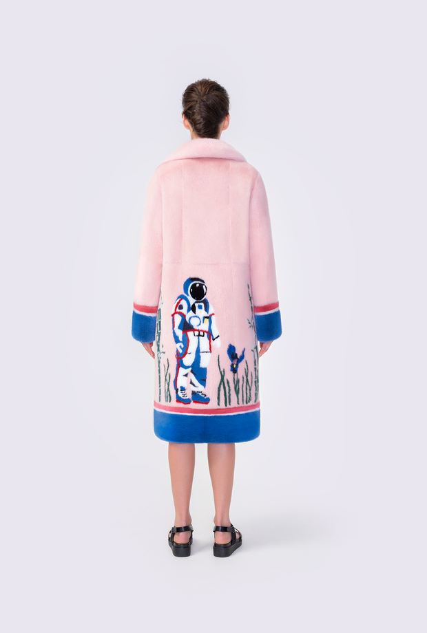 Mink coat with inlay