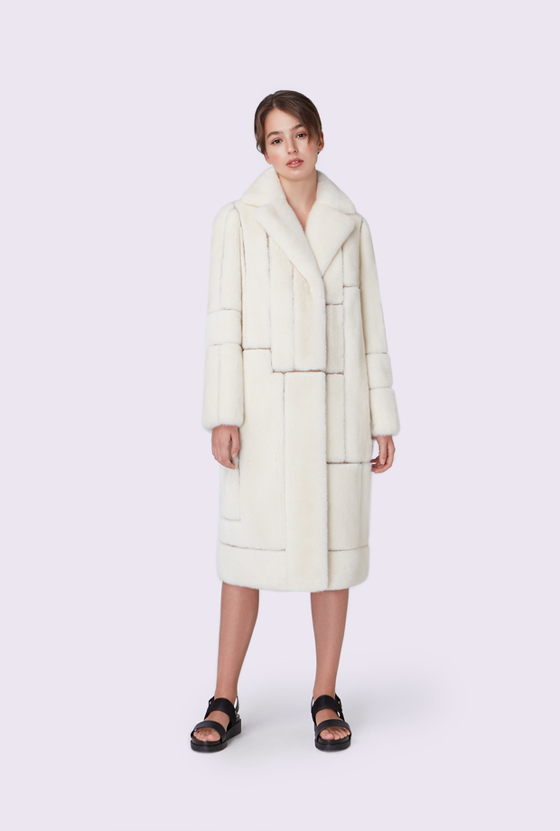 Mink coat with an asymmetrical English collar